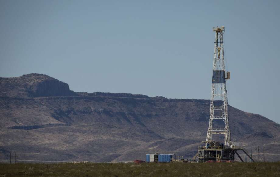 The oilfield services company Baker Hughes and data analytics firm Enverus reported the nation's rig count rose 10 to 320 this week, though it remains 482 rigs below the 802 at work a year ago. Photo: Jon Shapley/Staff Photographer / © 2019 Houston Chronicle