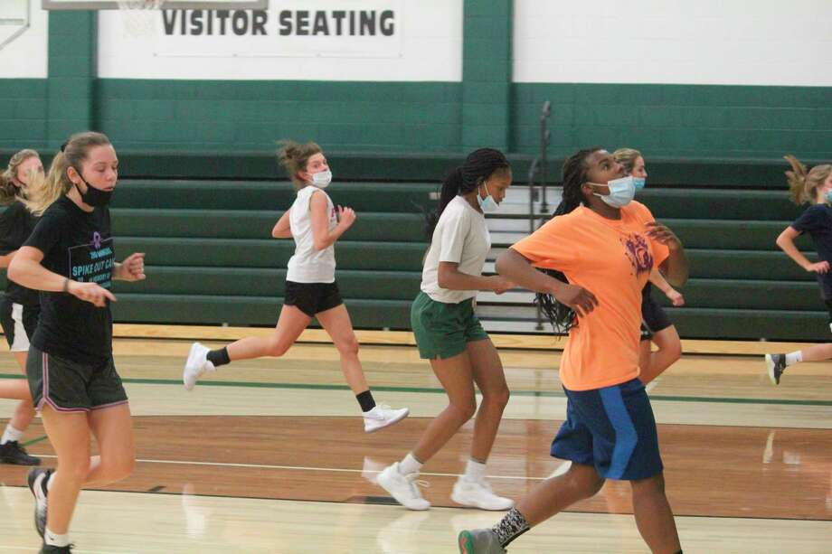 Pine River girls run up and down the court during a workout last week. (Pioneer photo/John Raffel)