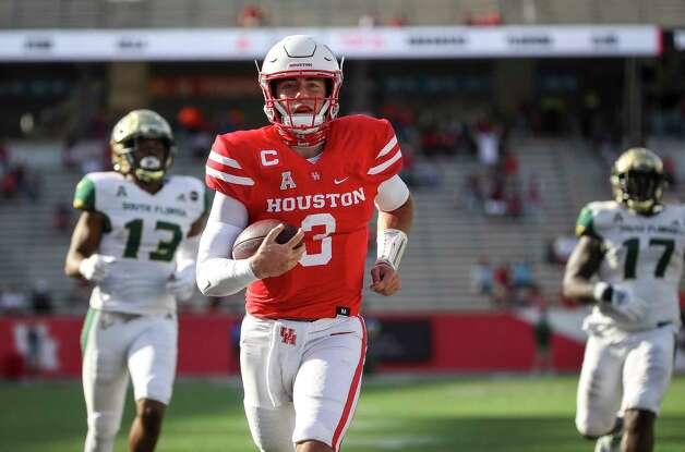 Houston Cougars quarterback Clayton Tune (3) runs on his way to a touchdown during the first quarter of an NCAA football game Saturday, Nov. 14, 2020, at TDECU Stadium in Houston. Photo: Jon Shapley, Staff Photographer / © 2020 Houston Chronicle