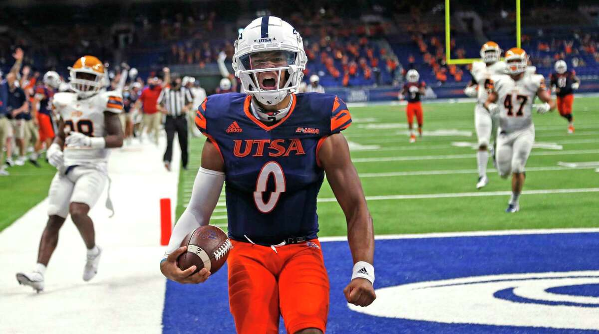 UTSA QB Frank Harris reacts after scoring a touchdown late in closing seconds of second quarter. UTEP at UTSA on Saturday, Nov.14, 2020 at the Alamodome.