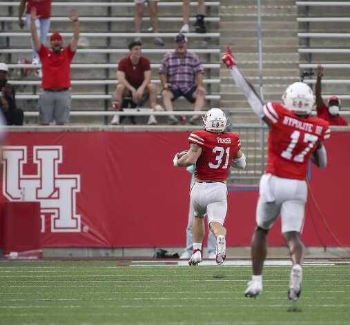 Houston Cougars defensive lineman Derek Parish (31) scores a touchdown during the third quarter of an NCAA football game Saturday, Nov. 14, 2020, at TDECU Stadium in Houston. Photo: Jon Shapley/Staff Photographer / © 2020 Houston Chronicle