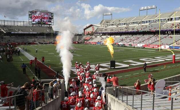 The Houston Cougars take the field before an NCAA football game against the South Florida Bulls on Saturday, Nov. 14, 2020, at TDECU Stadium in Houston. Photo: Jon Shapley/Staff Photographer / © 2020 Houston Chronicle