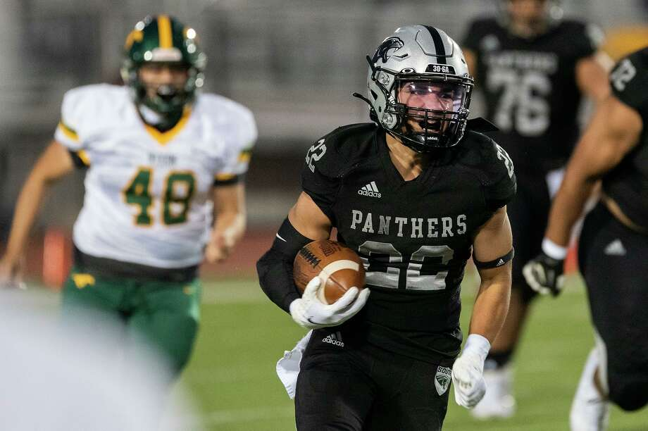 United South's Brian Benavides became Laredo's all-time leading rusher in the Panthers' victory over Alexander last week. Photo: Danny Zaragoza / Laredo Morning Times