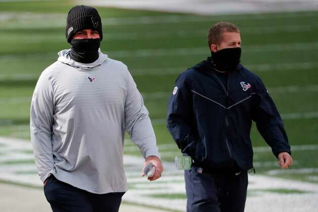 Houston Texans offensive coordinator Tim Kelly walks onto the field before an NFL football game against the Cleveland Browns at FirstEnergy Stadium Sunday, Nov. 15, 2020, in Cleveland. Photo: Brett Coomer, Staff Photographer / © 2020 Houston Chronicle
