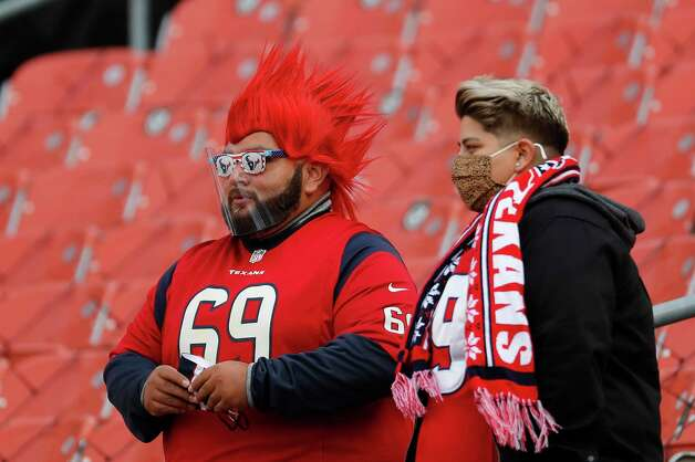 Houston Texans fans watch warm ups before an NFL football game against the Cleveland Browns at FirstEnergy Stadium Sunday, Nov. 15, 2020, in Cleveland. Photo: Brett Coomer, Staff Photographer / © 2020 Houston Chronicle
