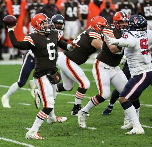 Cleveland Browns quarterback Baker Mayfield (6) passes against the Houston Texans defense during the third quarter of an NFL football game at FirstEnergy Stadium Sunday, Nov. 15, 2020, in Cleveland. Photo: Brett Coomer, Staff Photographer / © 2020 Houston Chronicle