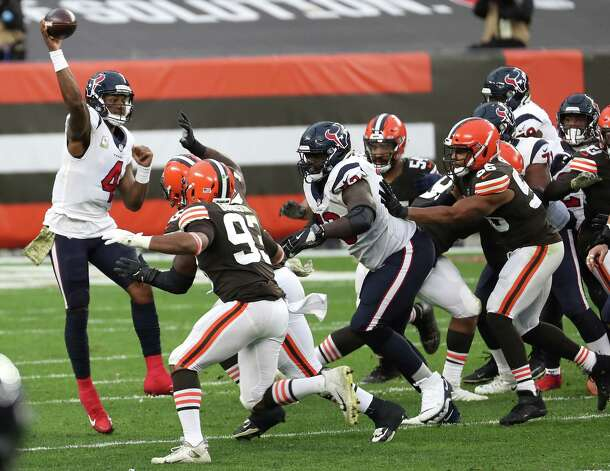 Houston Texans quarterback Deshaun Watson (4) passes against the Cleveland Browns defense during the fourth quarter of an NFL football game at FirstEnergy Stadium Sunday, Nov. 15, 2020, in Cleveland. Photo: Brett Coomer, Staff Photographer / © 2020 Houston Chronicle