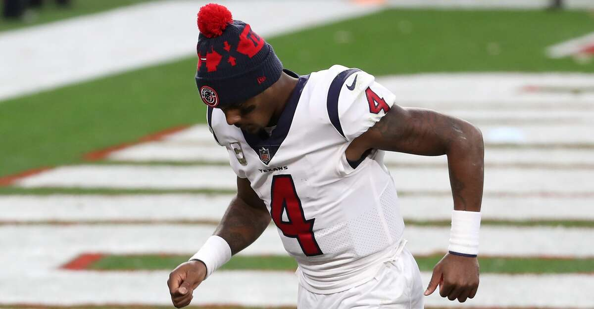 Houston Texans quarterback Deshaun Watson jogs off the field after the Texans 10-7 loss to the Cleveland Browns at FirstEnergy Stadium Sunday, Nov. 15, 2020, in Cleveland.