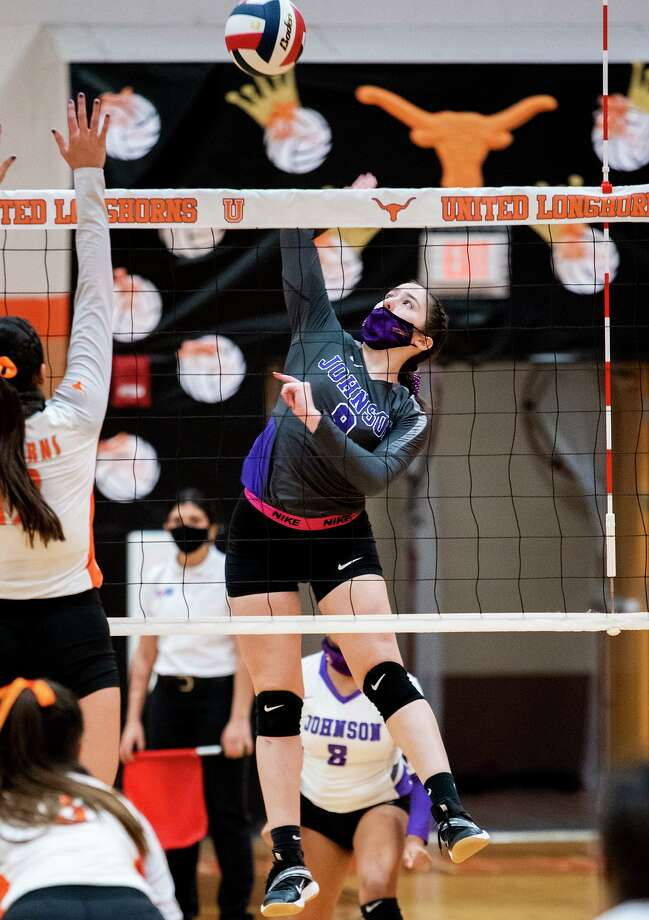 The LBJ Lady Wolves will represent District 30-6A as the No. 3 seed in the playoffs. Photo: Danny Zaragoza /Laredo Morning Times File