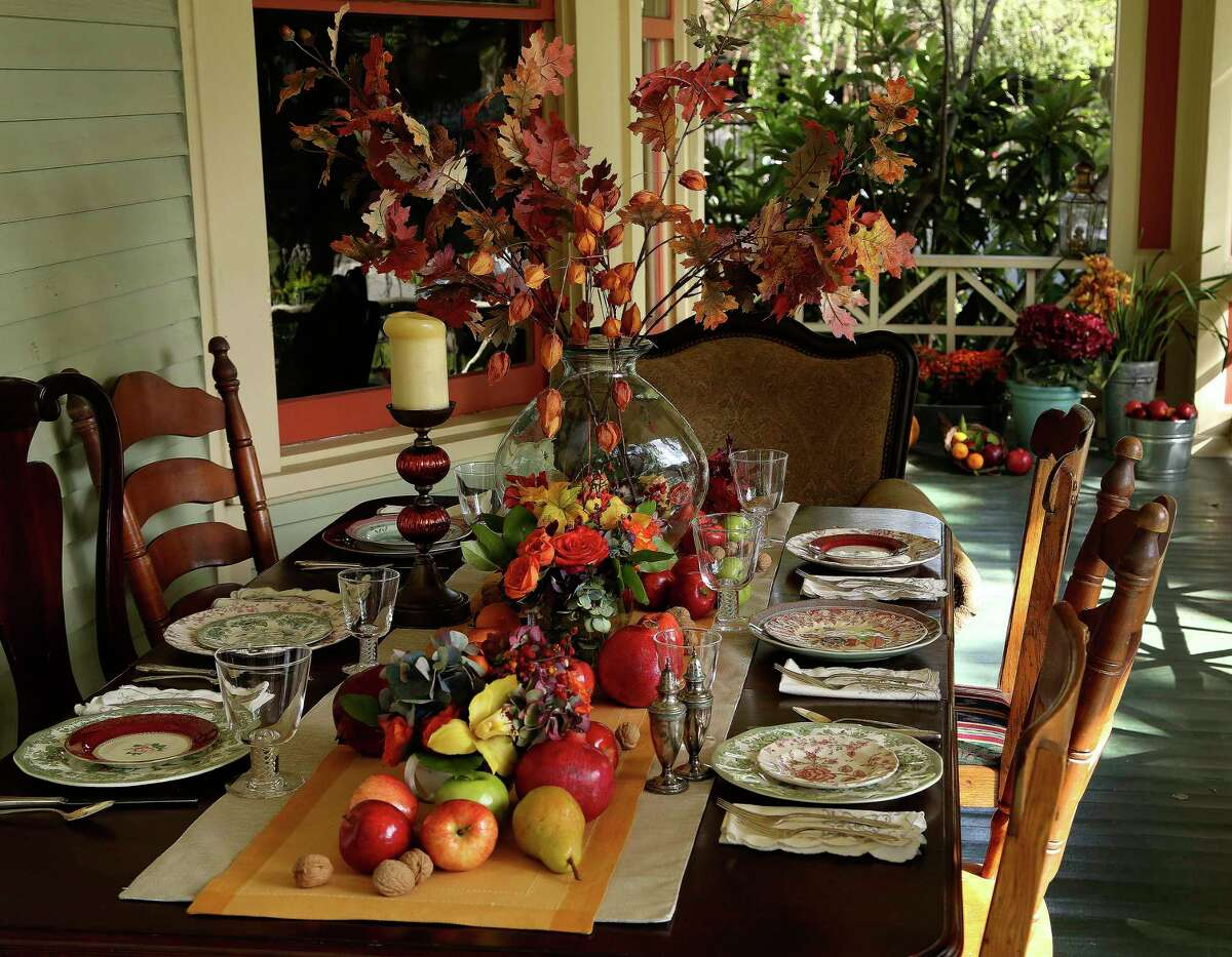 With Houston's weather, it's easy to take Thanksgiving dinner outside.