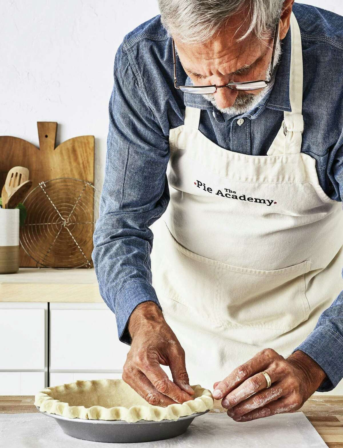 Ken Haedrich making a pie crust.
