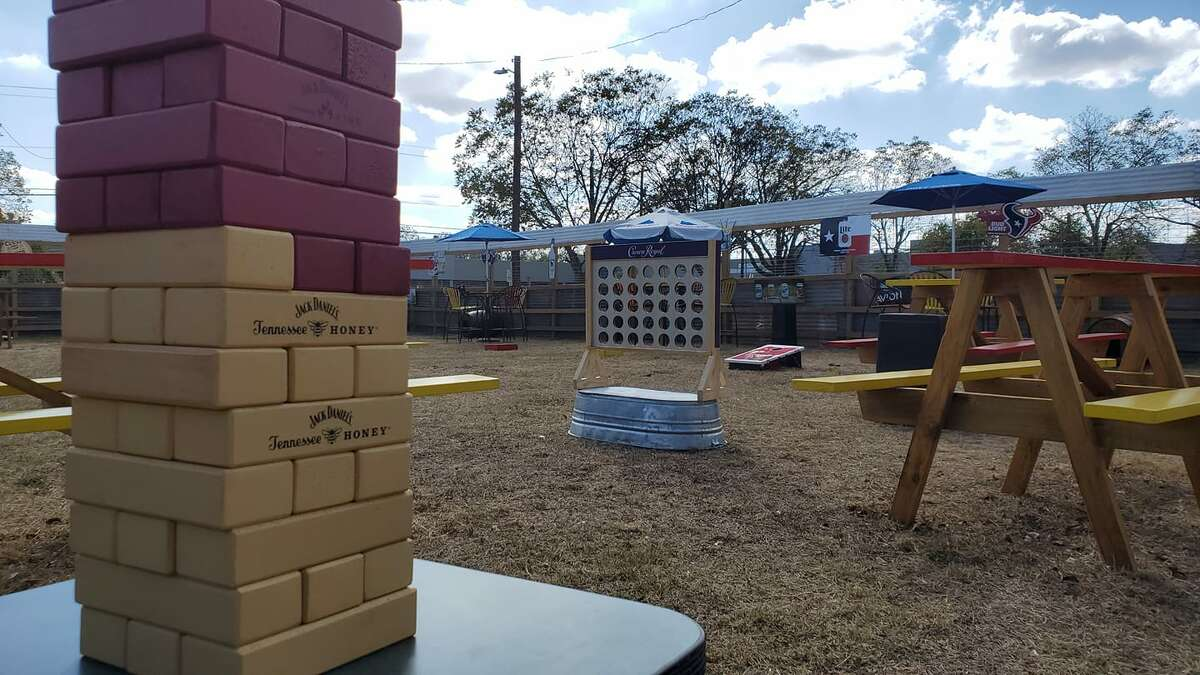 Brooster's Backyard Icehouse is slated to open this weekend with freebies, specials, music and more.