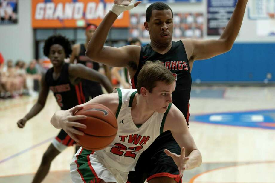 The Woodlands' Brock Luechtefeld (22) is the top returning player for the Highlanders this season. Photo: Gustavo Huerta, Houston Chronicle / Staff Photographer / Houston Chronicle © 2020