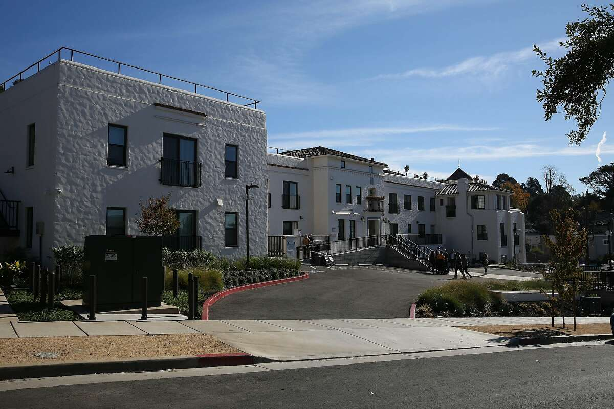 Apartments in the Paloma in the Oakland hills are being rented to teachers at super-low rates.