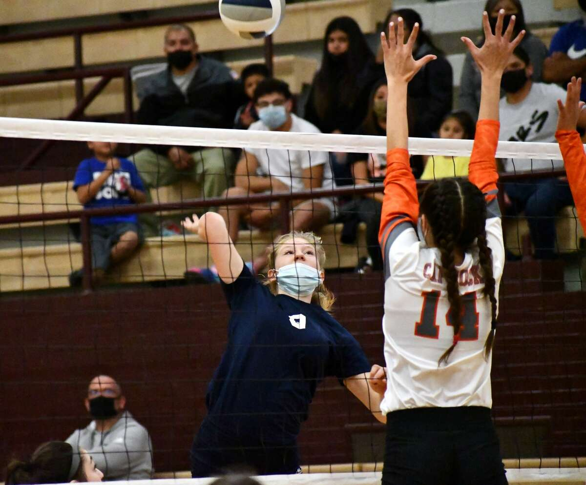 The Plainview volleyball team secured its first playoff spot since 2015 by sweeping Amarillo Caprock in a District 3-5A tiebreaker match on Monday, Nov. 16, 2020 in Hereford.