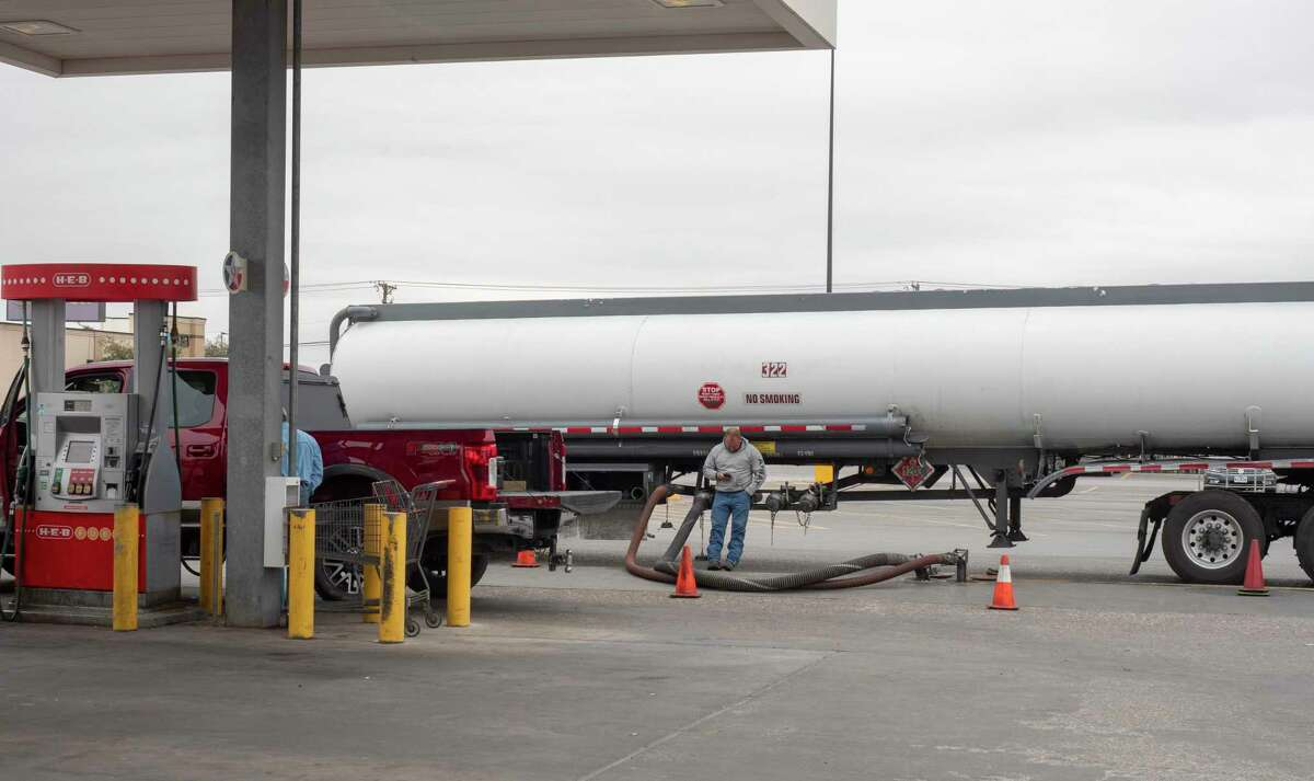 Gas prices are rising around Midland as a tanker fills the underground tank at HEB on Wadley 11/13/2020. Tim Fischer/Reporter-Telegram