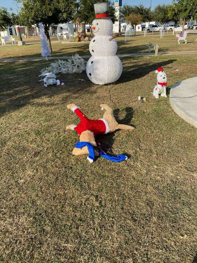 Zapata Crime Stoppers will pay a cash reward to anyone who provides information leading to an arrest in relation to this vandalism case. People are asked to call 956-765-TIPS(8477). Callers will remain anonymous. Photo: Courtesy Photo /Zapata Crime Stoppers