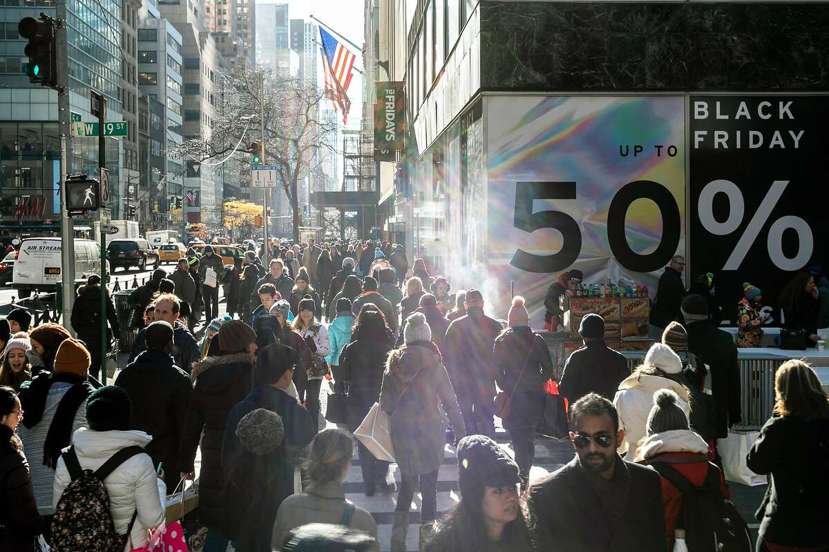 A crowded Fifth Avenue in New York on Black Friday in 2018.