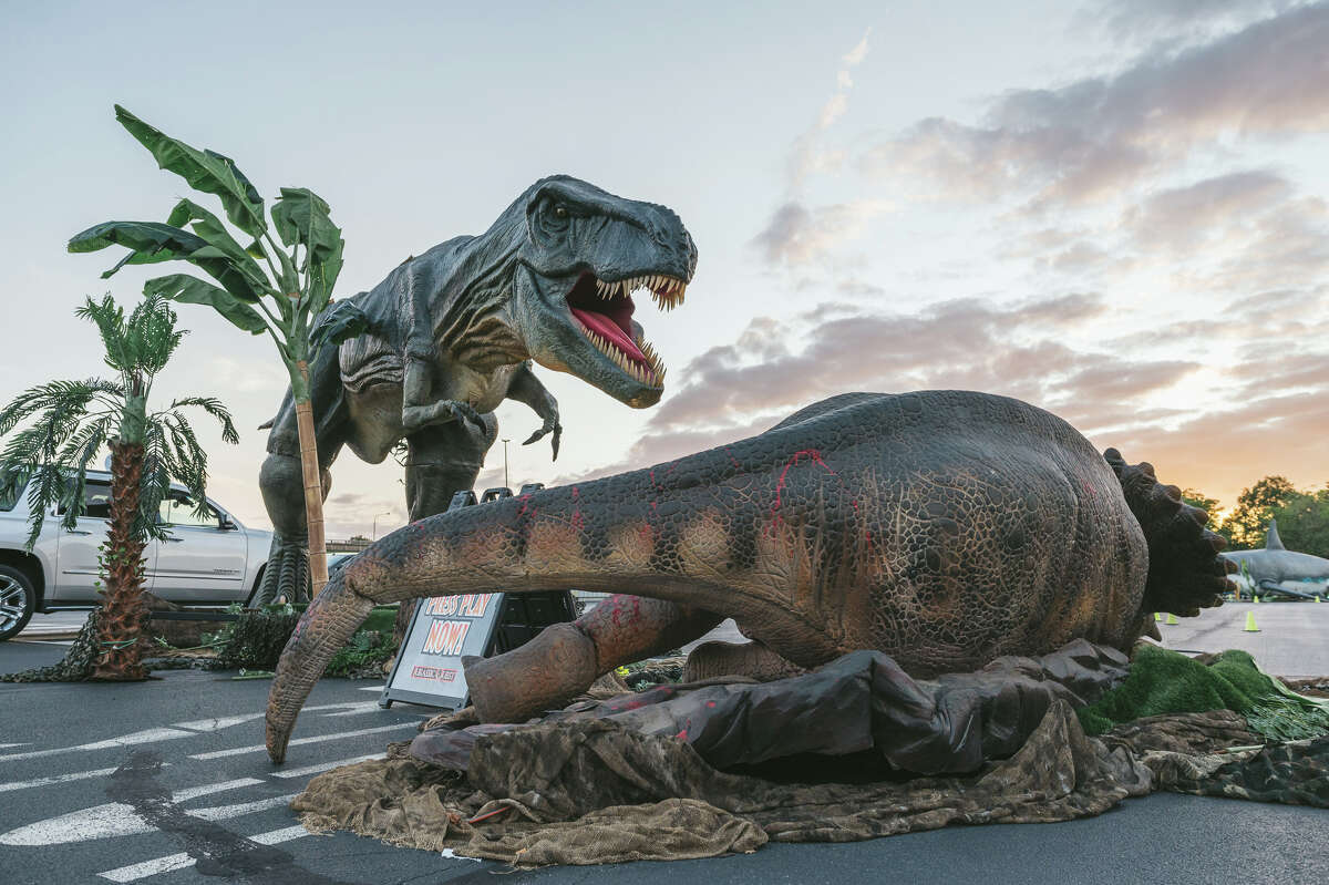 Dinosaurs are making their way to the Houston area just in time for the holidays.