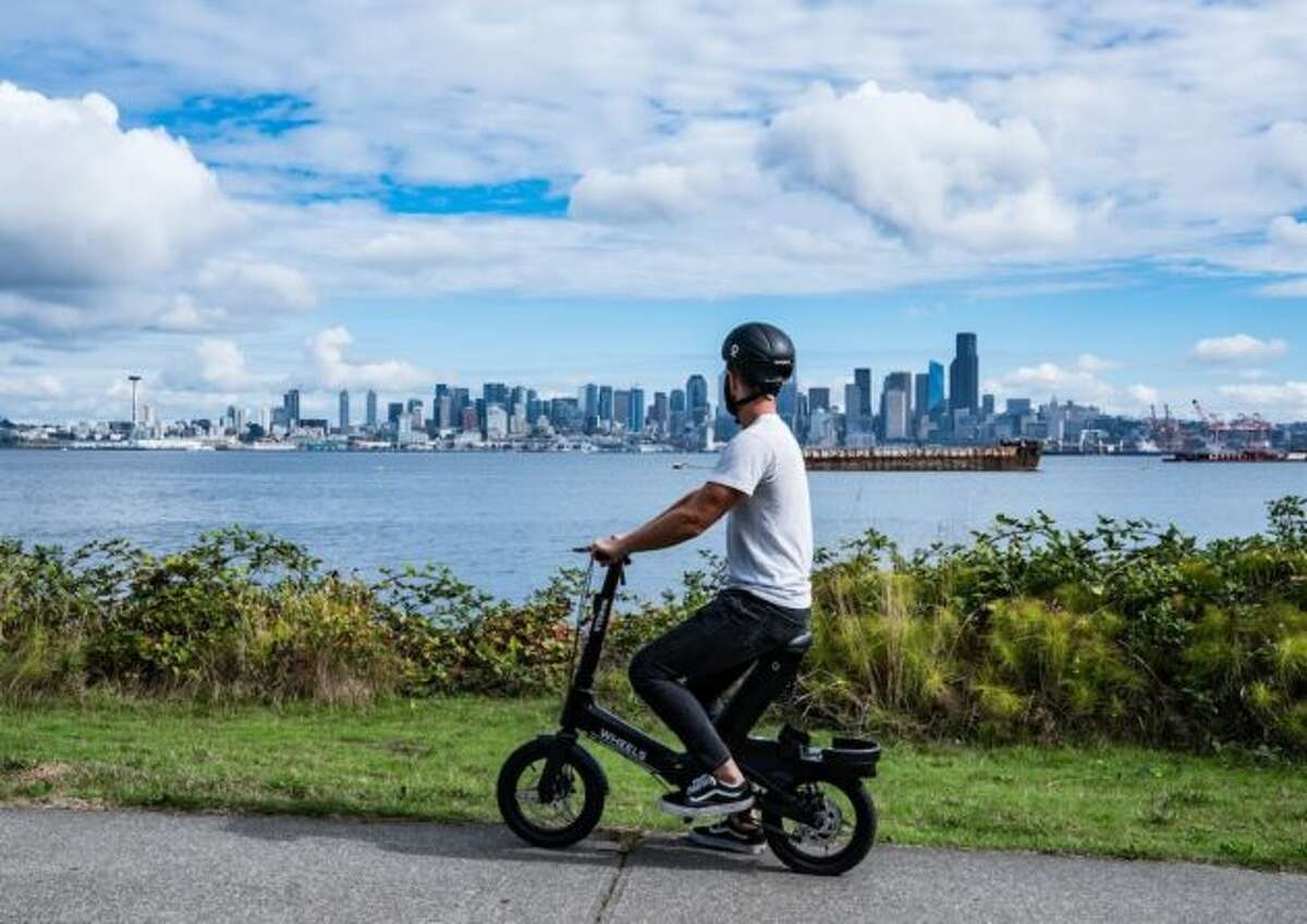 New seated scooter options launches in Seattle.