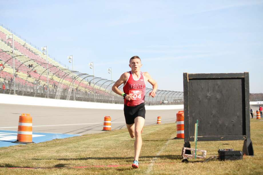 Hunter Jones races to the finish at state finals on Nov. 7. Photo: Robert Myers