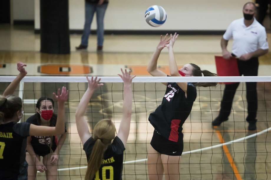 Beaverton's Molly Gerow pushes the ball during a Nov. 12, 2020 regional final against McBain. Photo: Daily News File Photo