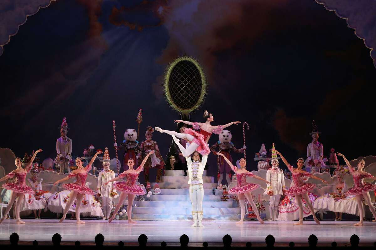 Houston Ballet performers in Stanton Welch's