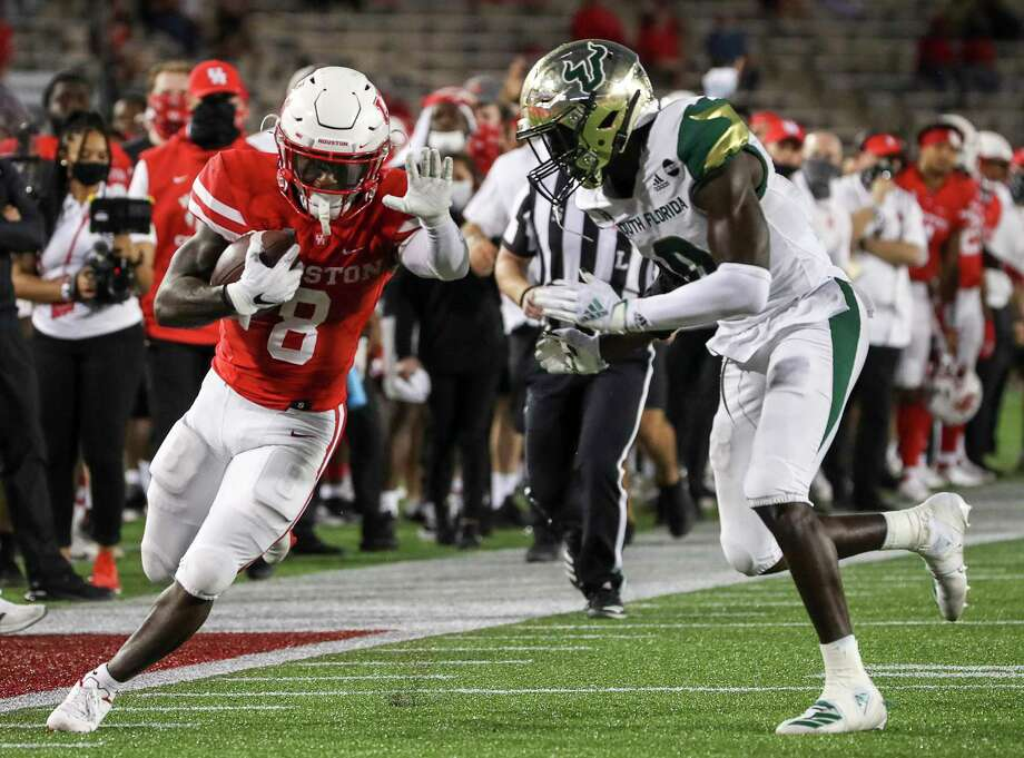 Houston running back Chandler Smith (8) rushed for 75 yards in a 56-21 win over South Florida on Saturday. Photo: Jon Shapley, Staff Photographer / Staff Photographer / © 2020 Houston Chronicle