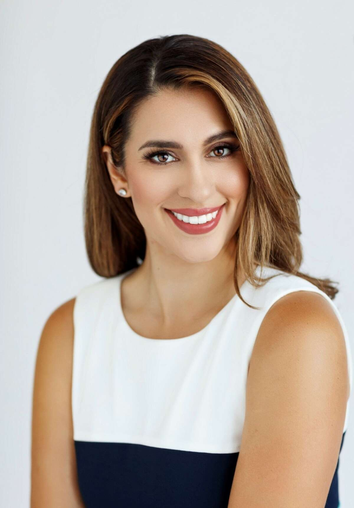 Simone De Alba will join Randy Beamer on News 4 San Antonio as his new co-anchor starting Dec. 3.