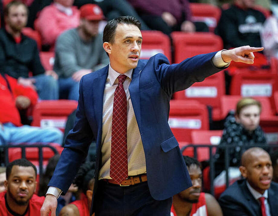 SIUE coach Brian Barone directs his team during a game against Austin Peay last season at First Community Arena in Edwardsville. The SIUE men's basketball team was picked to finish 11th in the 12-team OVC in a media poll. Photo: Associated Press