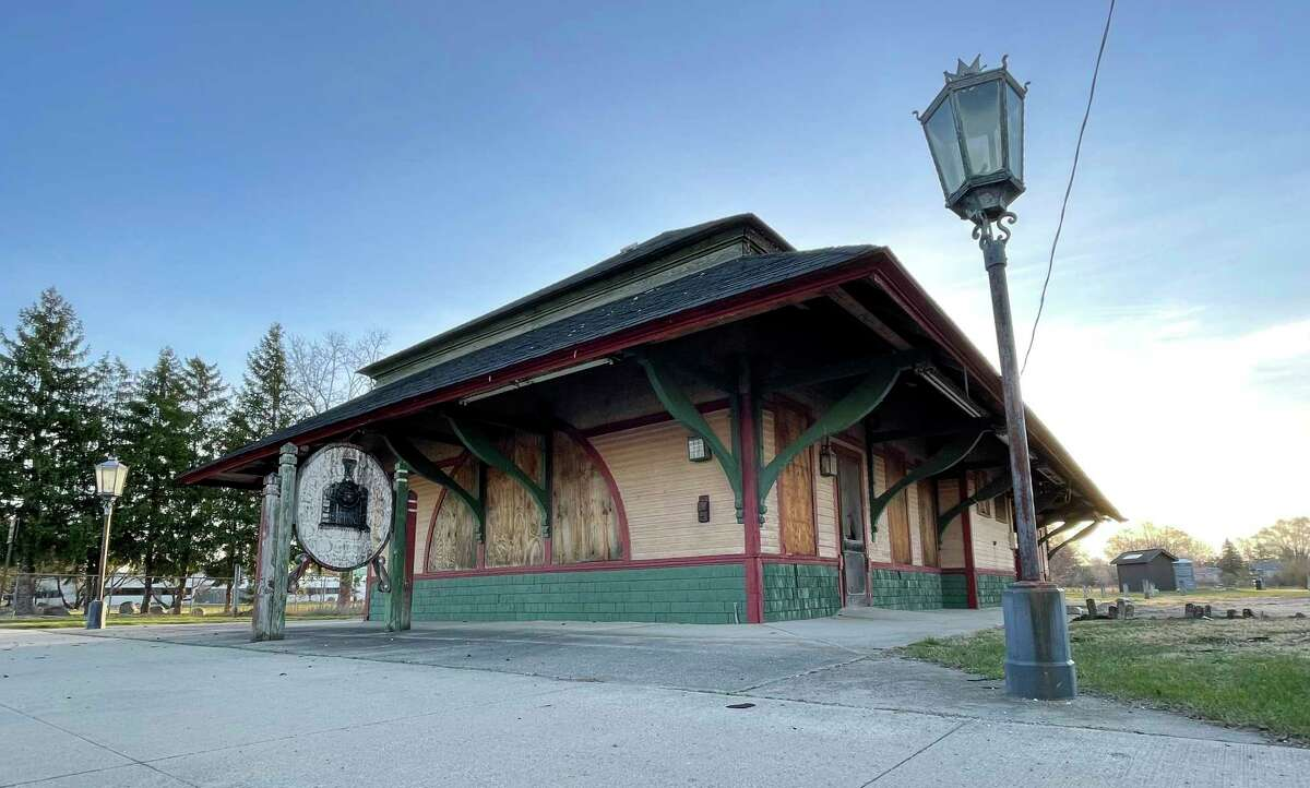 The old railroad depot sits, closed and boarded up, on Maple Street in Big Rapids. Purchasing the depot was a topic of discussion during this week's Big Rapids City Commission meeting. Commissioners said they were interested in seeing what their options were. (Pioneer photo/Bradley Massman)