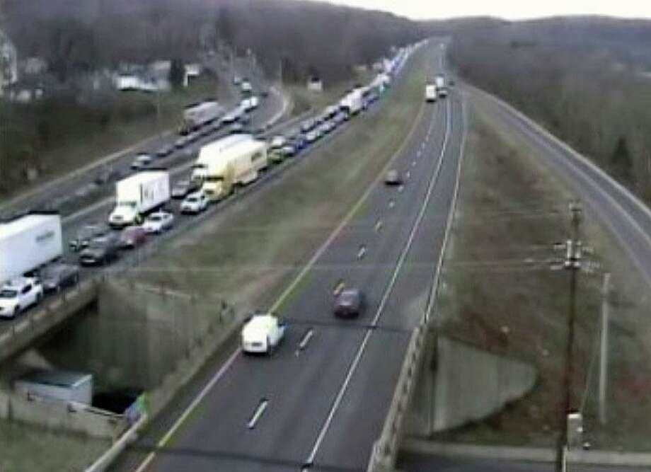 A Connecticut Department of Transportation camera shows traffic in the area of a Waterbury, Conn., accident on Nov. 19, 2020. Photo: Connecticut Department Of Transportation / Contributed Photo