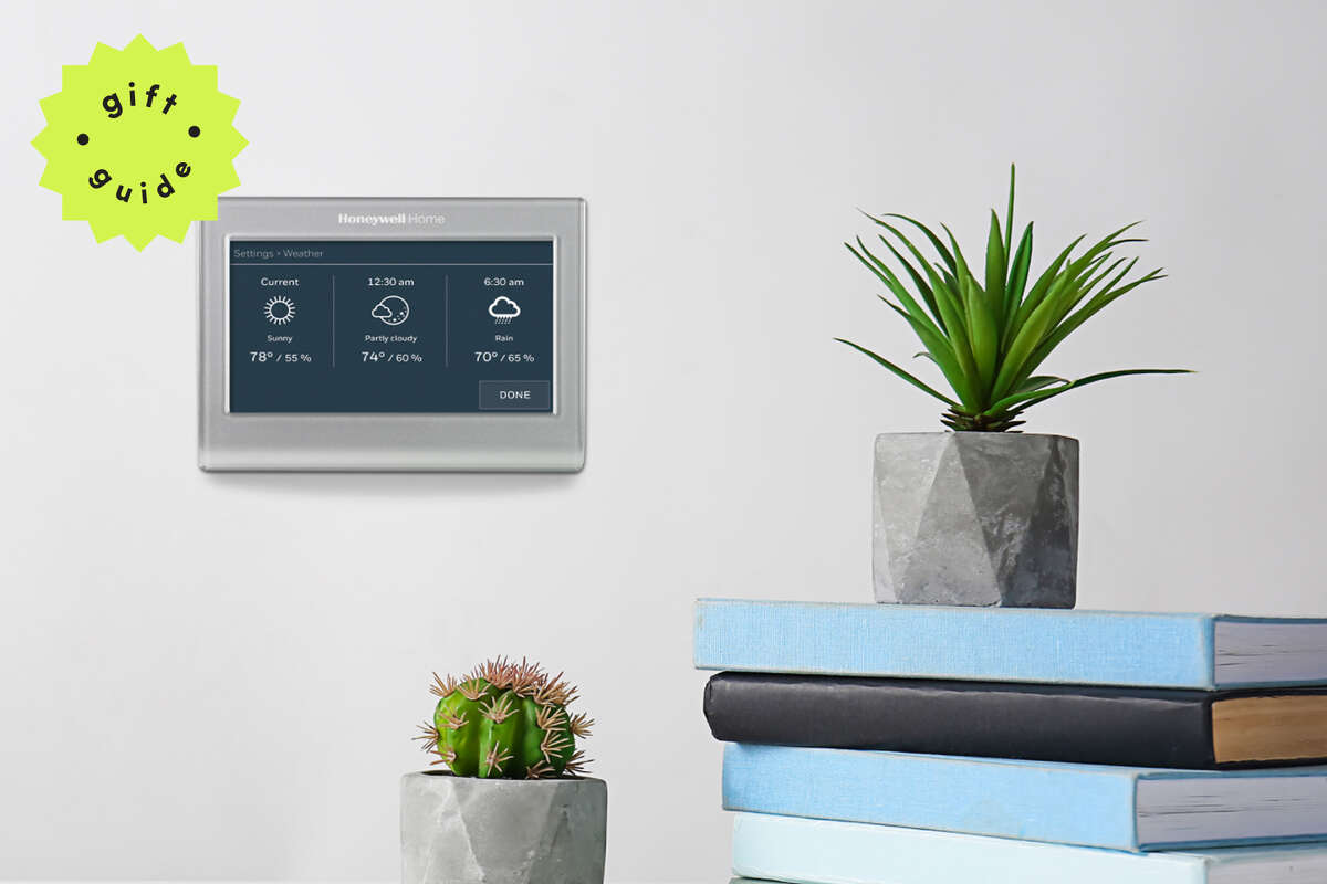 Honeywell 9585 WiFi Thermostat with color screen, $99 at Walmart for Black Friday
