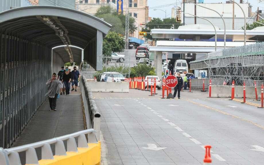 Los tres órdenes de gobierno mexicano reinstalarán dispositivos sanitarios más estrictos en los cruces internacionales, en prevención de contagios de COVID-19 Photo: Foto De Cortesía
