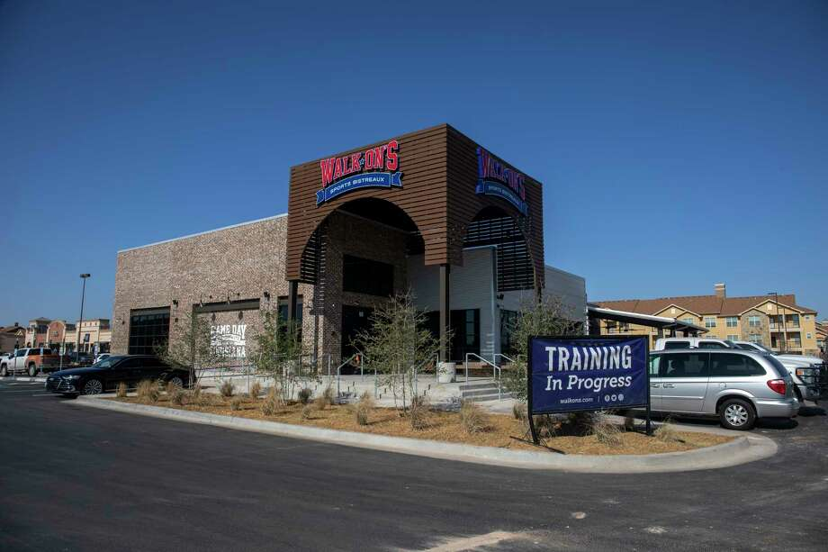 Walk-On's Sports Bistreaux as seen Friday, Nov. 20, 2020 at 2804 Loop 250 Frontage Road. Jacy Lewis/Reporter-Telegram Photo: Jacy Lewis/Reporter-Telegram
