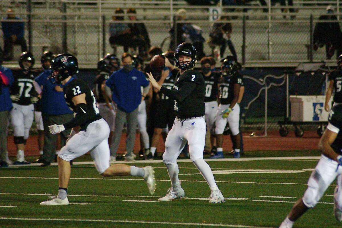 Friendswood put up a strong fight Friday night against Port Arthur Memorial, but dropped a 46-28 decision in its season finale.