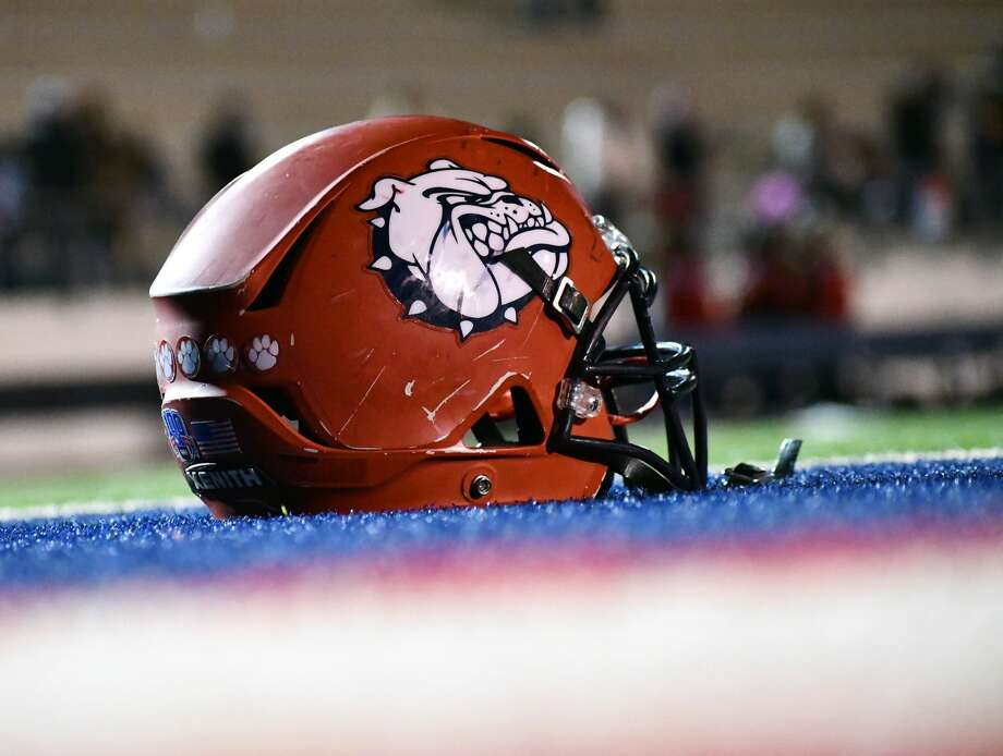 Plainview fell 47-13 to Wichita Falls in its home finale during a District 3-5A Division II football game on Friday, Nov. 20, 2020 in Greg Sherwood Memorial Bulldog Stadium. Photo: Nathan Giese/Planview Herald