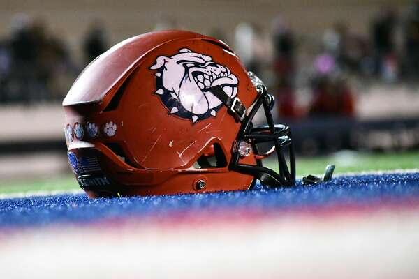 Plainview fell 47-13 to Wichita Falls in its home finale during a District 3-5A Division II football game on Friday, Nov. 20, 2020 in Greg Sherwood Memorial Bulldog Stadium.