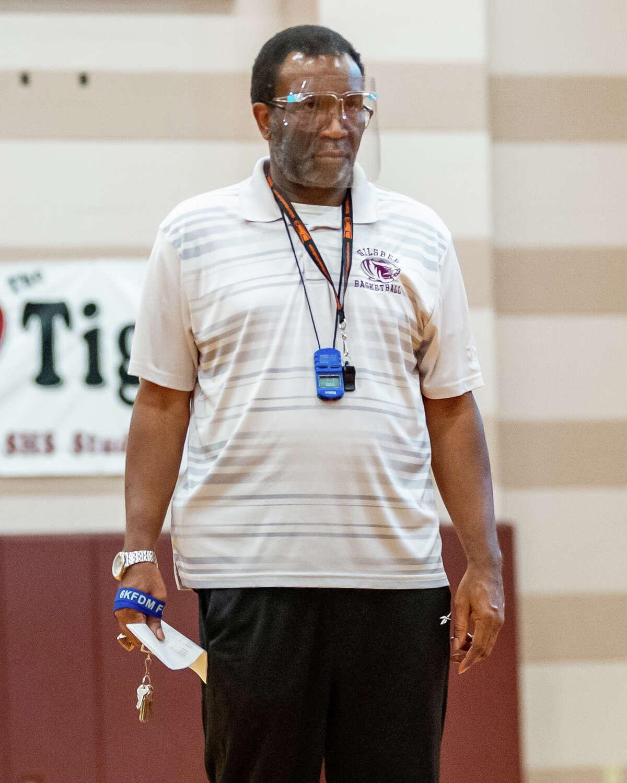 Coach Joe Sigler runs practice for the basketball team. Silsbee High School basketball, along with other SETX teams, is in a rebuilding mode this season. Photo made on November 19, 2020. Fran Ruchalski/The Enterprise