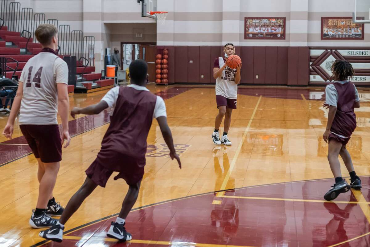 Silsbee High School basketball, along with other SETX teams, is in a rebuilding mode this season. Photo made on November 19, 2020. Fran Ruchalski/The Enterprise