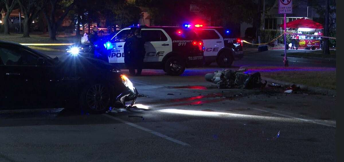 A man died in a motorcycle crash on Richmond Avenue early Sunday morning.