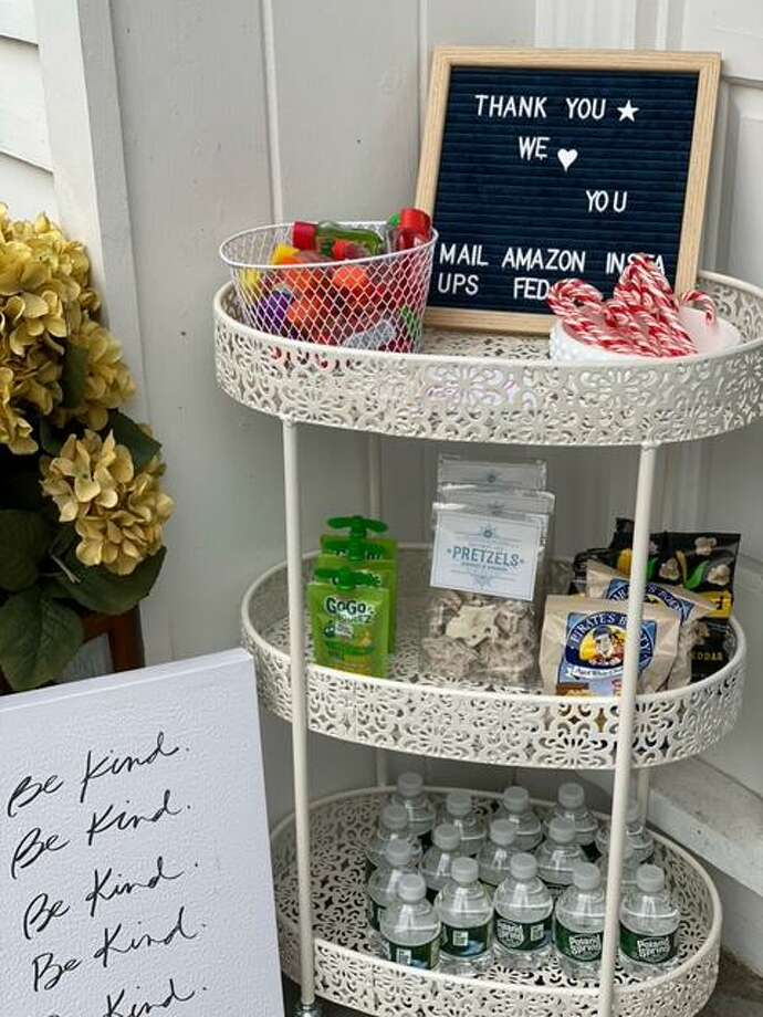 Shannon Doherty, Darien's Tik Tok mom, is offering mom hacks, like a thank you station during delivery season. Photo: Shannon Doherty