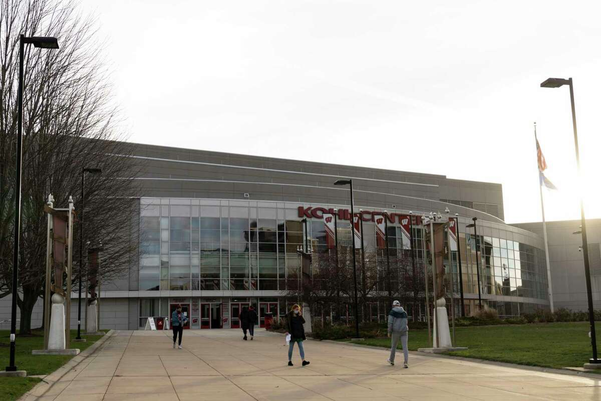 The Kohl Center offers coronavirus testing for University of Wisconsin students and employees.
