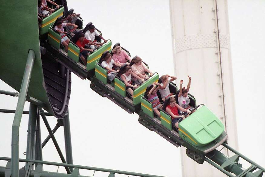 AstroWorld visitors get a look at its newest ride, the Viper, April 29, 1989.