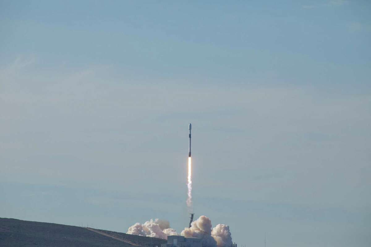 The SpaceX Falcon 9 rocket carrying the Sentinel-6 Michael Freilich satellite lifts off from Space Launch Complex 4 at Vandenberg Air Force Base in California, Nov. 21, 2020, at 9:17 a.m. PST (12:17 p.m. EST).