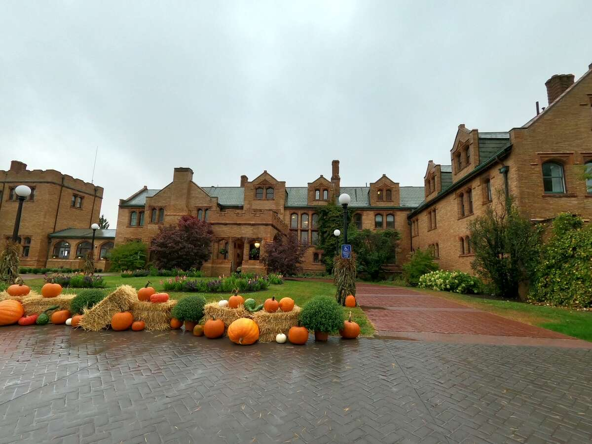 The Wynhurst Manor & Club in Lenox, decked out in fall gourd splendor.