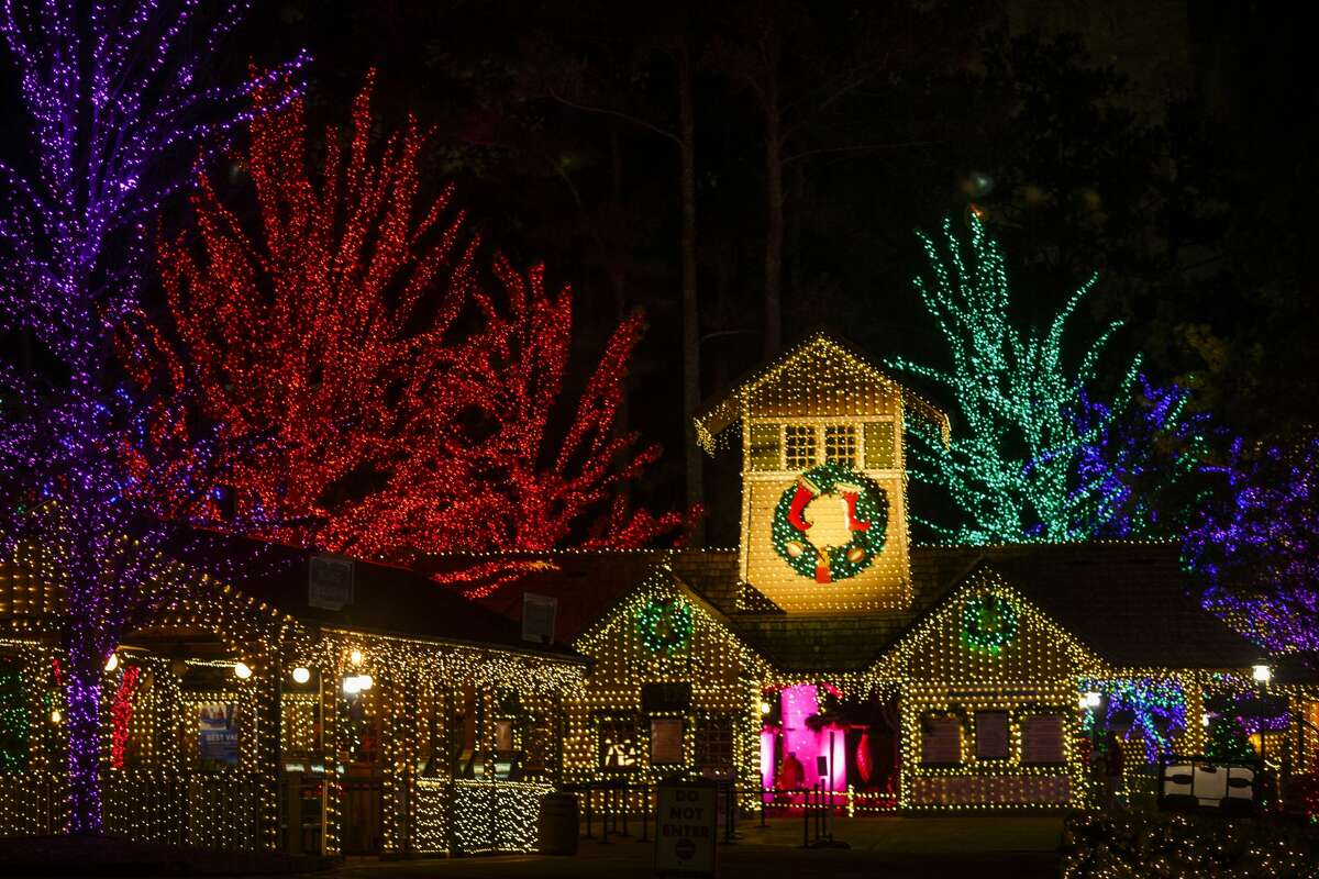 DeKalb County, with easy access through the Atlanta airport, is transforming Stone Mountain Park and Fernbank Museum of National History into socially distant winter wonderlands. To increase space between visitors, Stone Mountain Park is reducing capacity and has implemented new safety measures as part of its Play Safe initiative. Christmas at Stone Mountain Park presents an annual celebration with festive music and dazzling lights setting the scene. Wander through a socially distanced frosted forest and be surrounded by laser lights and celebratory sounds. Join the tree lighting ceremony or watch the annual Christmas parade from a spaced-out lawn where you can gather among immediate family members. At Fernbank Museum of National History, guests can explore the annual Winter Wonderland exhibit, recognizing celebrations from around the world including Christmas and Hanukkah, alongside traditional indigenous art. Several outdoor experiences are new this year, to aid in social distancing, including a free sock skating rink on the terrace and a self-guided stroll through outdoor snow globes reaching seven feet tall.