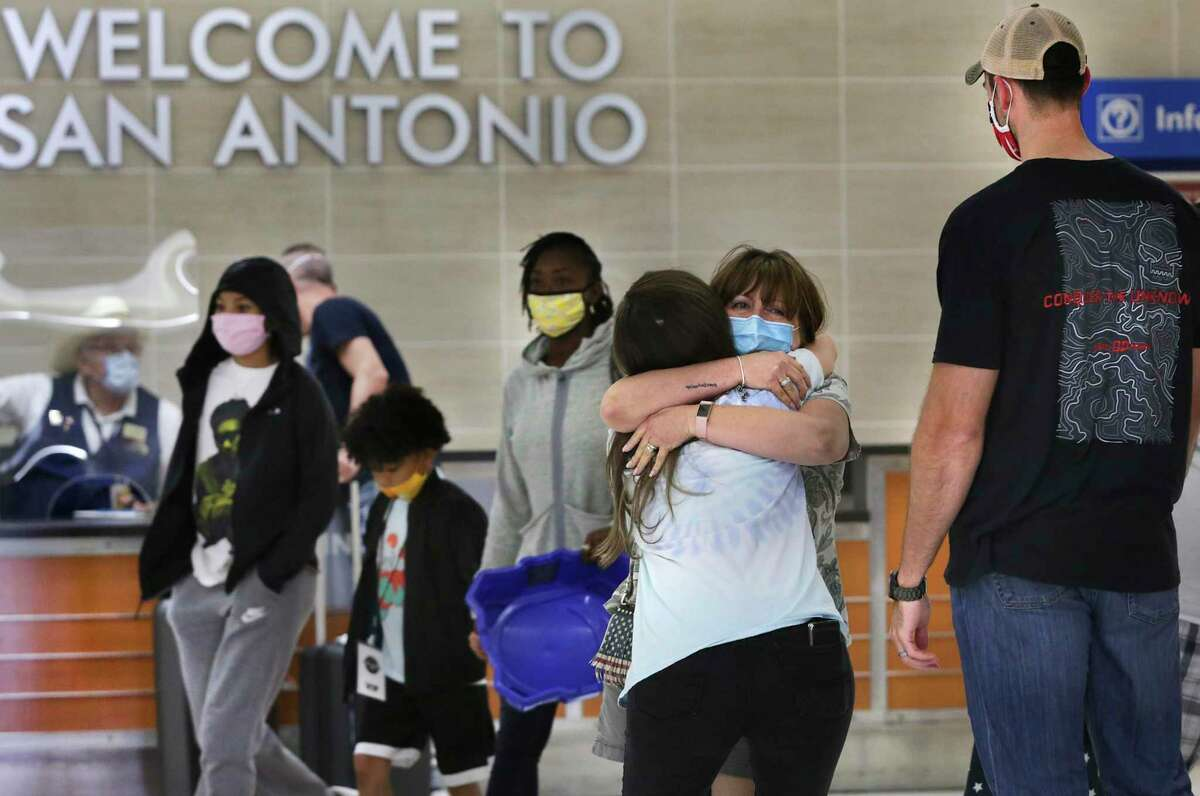Passengers arrive for Thanksgiving at San Antonio International Airport. Passengers seeking to fly ultra-low-cost have few options at the San Antonio facility.