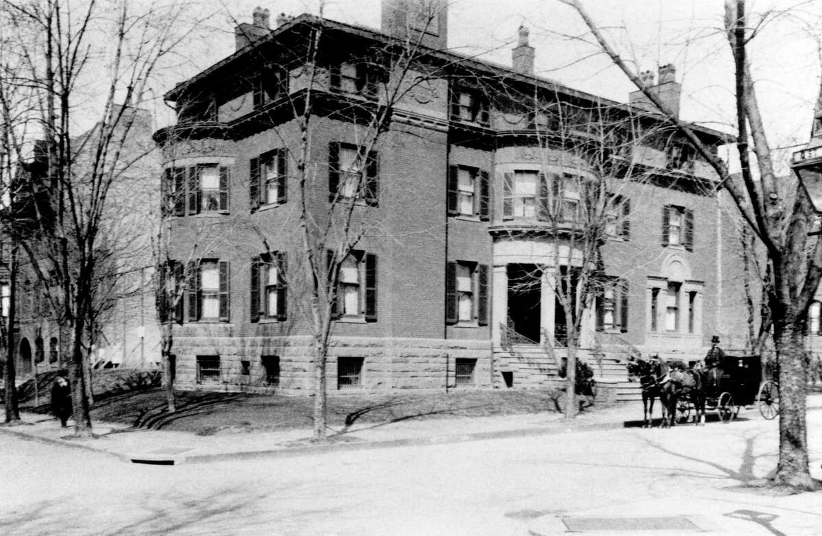 The Phillips house at 21st and Q streets NW in Washington, D.C., circa 1900.