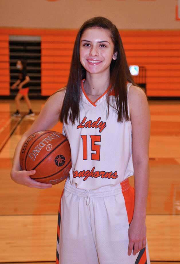 United senior guard Isabella Lopez leads the city with 13 made 3-pointers through six games. Photo: Cuate Santos / Laredo Morning Times / Laredo Morning Times